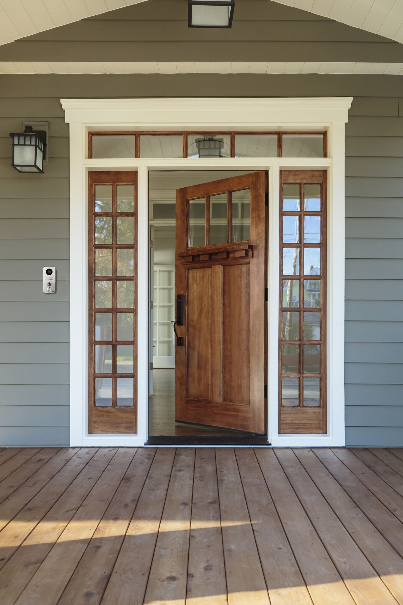 doorbird d102 on wood gosmarthome. Black Bedroom Furniture Sets. Home Design Ideas